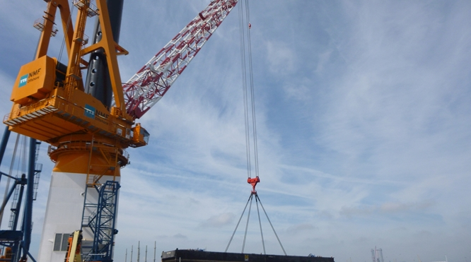 900 tons OFFSHORE RATED CRANE's WITHOUT AHC