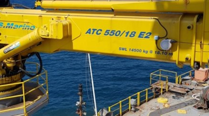 15 TON HYDRAULIC MARINE CRANE FOR SALE – YEAR OF MANUFACTURE 2010